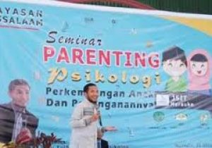 contoh banner parenting paud cdr