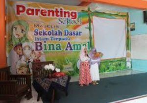 contoh banner parenting paud vector